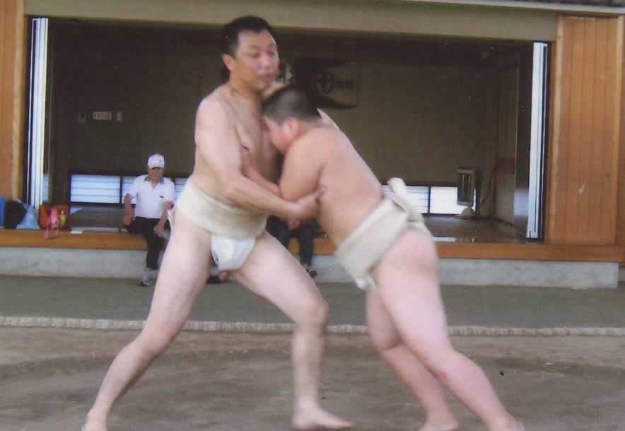 少年と稽古をとる千葉JC渕代表